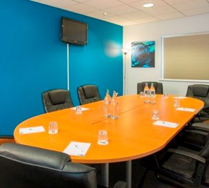 Conference Venues In Braintree England Meetingsbookercom - England conference table
