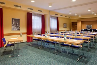 Meeting Rooms at Holiday Inn Express Frankfurt Airport, Holiday Inn ...