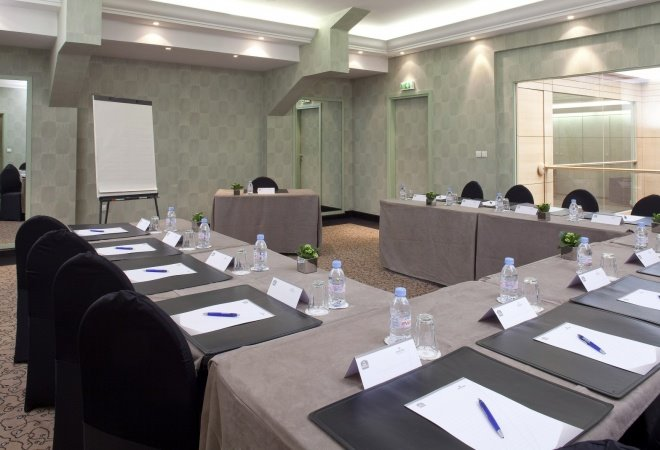 Meeting Rooms At Best Western Le Patio Saint Antoine 289 Bis Rue Du