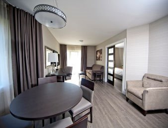 Meeting Rooms At Ramada Ottawa On The Rideau 2259 Prince Of Wales